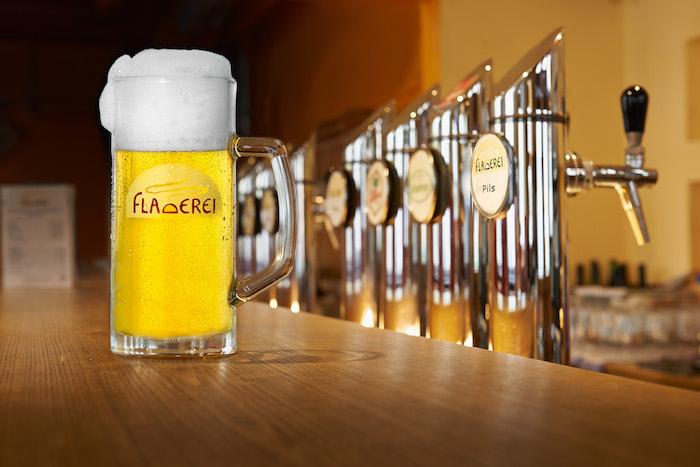 Krügl Bier mit Schaumkrone